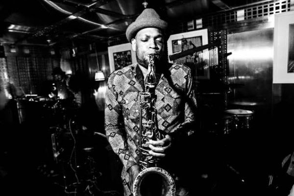 disque music, Saxophonist, Ayo