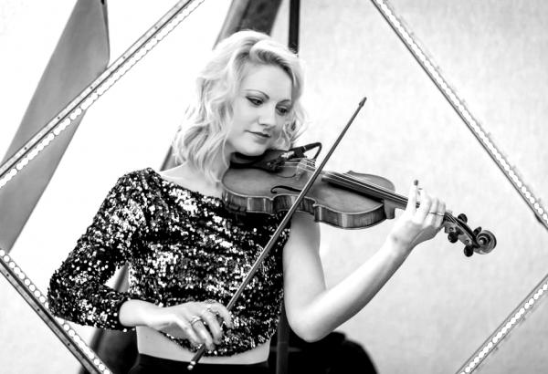 disque music, violinist, Jessica
